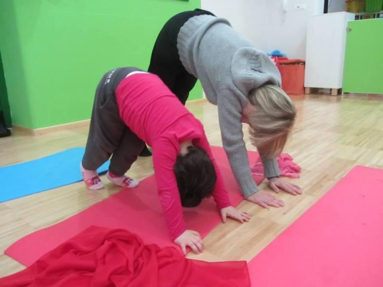 yoga family 2.jpg